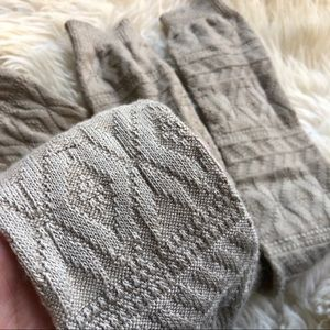 Free People Accessories - Free People Thigh High Oatmeal Knit Leg warmers OS
